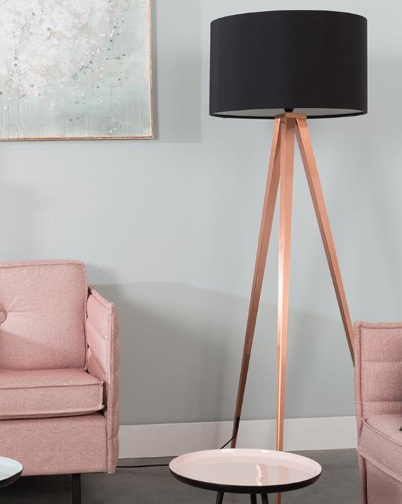 miedziana lampa podłogowa